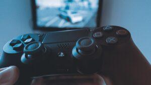 Wypróbuj monitor dla gracza w 4K i gamepad